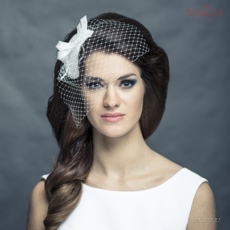 Teardrop-shaped bridal...