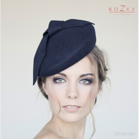 Navy blue beret with bow
