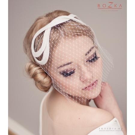 Bridal headband with veil