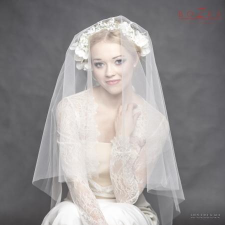 Bridal headpiece made of...