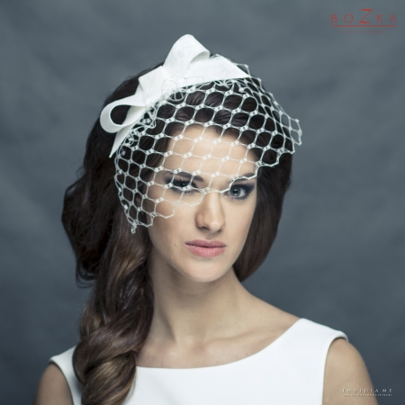 Wedding hairband with bow...