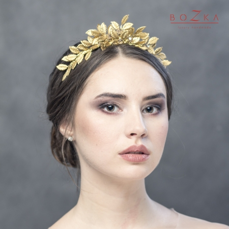 Bridal tiara with gold leaves