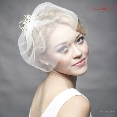 Silk bridal veil with pearl...